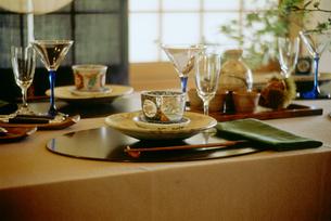 秋のテーブルセットの写真素材 [FYI04069528]