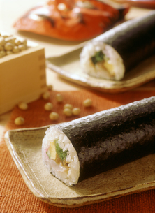 節分の巻き寿司の写真素材 [FYI04069537]