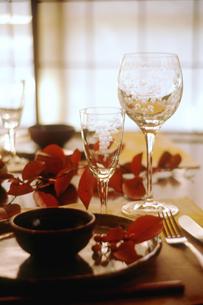 秋のテーブルセットの写真素材 [FYI04069546]