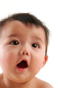 赤ちゃんの表情の写真素材 [FYI04069559]