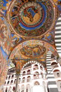 リラの僧院のフレスコ画 聖母誕生教会の写真素材 [FYI04071302]