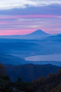 諏訪湖と富士山の写真素材 [FYI04071611]