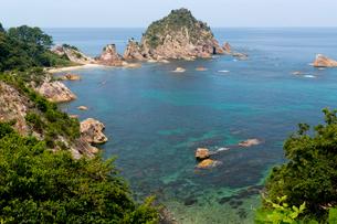 浦富海岸 菜種五島の写真素材 [FYI04071939]