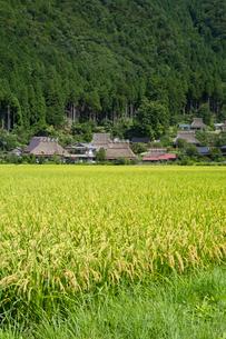 美山,かやぶきの里の写真素材 [FYI04072417]