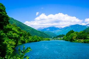 木曽川と中央アルプス方面の写真素材 [FYI04072908]