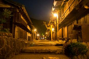 妻籠宿夜景の写真素材 [FYI04073064]