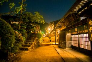 妻籠宿夜景の写真素材 [FYI04073068]