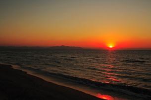 吹上浜と東シナ海の夕日の写真素材 [FYI04073400]