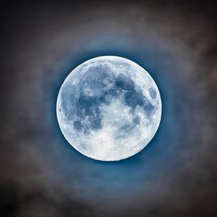満月の写真素材 [FYI04073484]