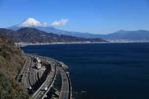 東海道本線と富士山の写真素材 [FYI04073863]