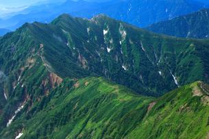 冷池山荘と爺ヶ岳の写真素材 [FYI04073914]
