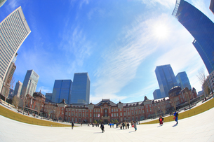 東京駅丸の内駅前広場 魚眼の写真素材 [FYI04074302]