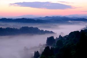 星峠の雲海の写真素材 [FYI04074415]
