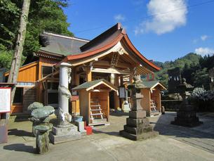 高龍神社の拝殿の写真素材 [FYI04074572]