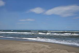 秋の日本海の小針浜の写真素材 [FYI04074576]