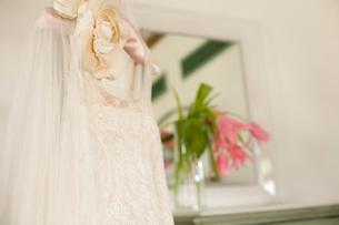 アンティークのウエディングドレスの写真素材 [FYI04076622]