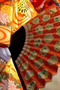 大阪天神祭 御神酒講の猩々山車に乗った猩々人形の写真素材 [FYI04076907]