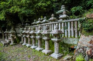 万松院の対馬藩主宗家墓所の写真素材 [FYI04077119]