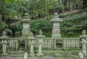 万松院の対馬藩主宗家墓所の写真素材 [FYI04077121]