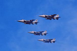 イギリス空軍SEPECATジャギュア攻撃機の編隊の写真素材 [FYI04077270]