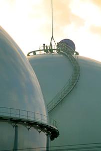 西東京ガスタンクの写真素材 [FYI04077446]