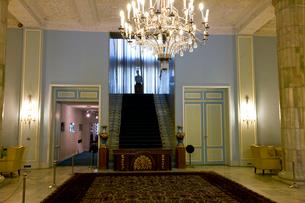 サアダーバード宮殿博物館の王の階段の写真素材 [FYI04077643]