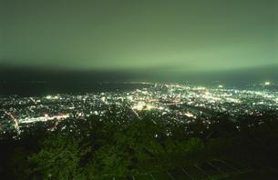 沼津市街と駿河湾を望む夜景の写真素材 [FYI04077832]
