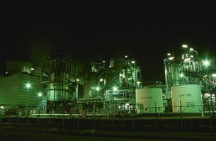 市原市姉崎海岸周辺の工場の夜景の写真素材 [FYI04077870]