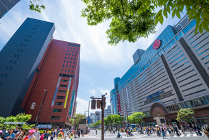 福岡県 天神バスセンター前の写真素材 [FYI04078162]