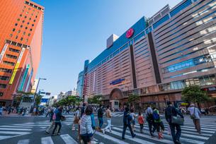 西鉄福岡天神駅中央口の写真素材 [FYI04078172]