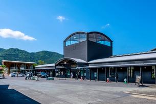 大分県 JR由布院駅の写真素材 [FYI04078184]