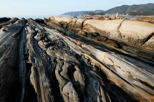 竜串海岸 地層の堆積構造の写真素材 [FYI04078328]