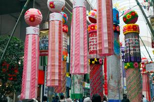 8月夏 仙台七夕まつり 東北三大夏祭りの写真素材 [FYI04078344]