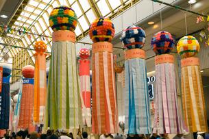 8月夏 仙台七夕まつり 東北三大夏祭りの写真素材 [FYI04078349]