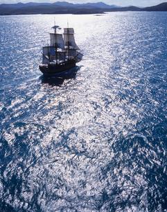 帆船バークエンデバーの空撮の写真素材 [FYI04078609]