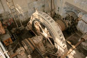 旧八百津発電所資料館 放水口発電所 発電機の写真素材 [FYI04079059]