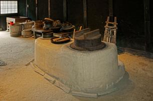 東海道・関宿 土間のおくど・玉屋歴史資料館の写真素材 [FYI04079096]