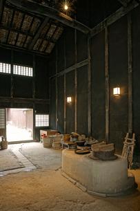 東海道・関宿 土間のおくど・玉屋歴史資料館の写真素材 [FYI04079102]