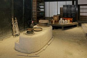 東海道・関宿 土間のおくど・玉屋歴史資料館の写真素材 [FYI04079103]