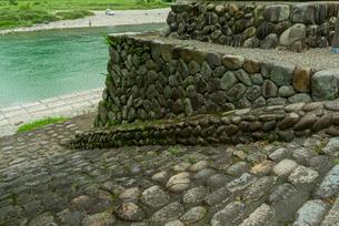 上有知湊 長良川 の石段 石畳の写真素材 [FYI04079522]