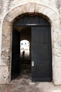 ケープコースト城塞 扉の写真素材 [FYI04079783]