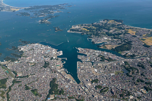 仙台塩釜港から奥松島の写真素材 [FYI04080531]