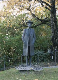 バルトーク像 バルト・ベラ記念館前の写真素材 [FYI04080817]