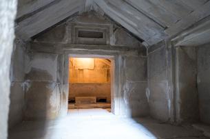 タマッソス遺跡の墓の写真素材 [FYI04081266]