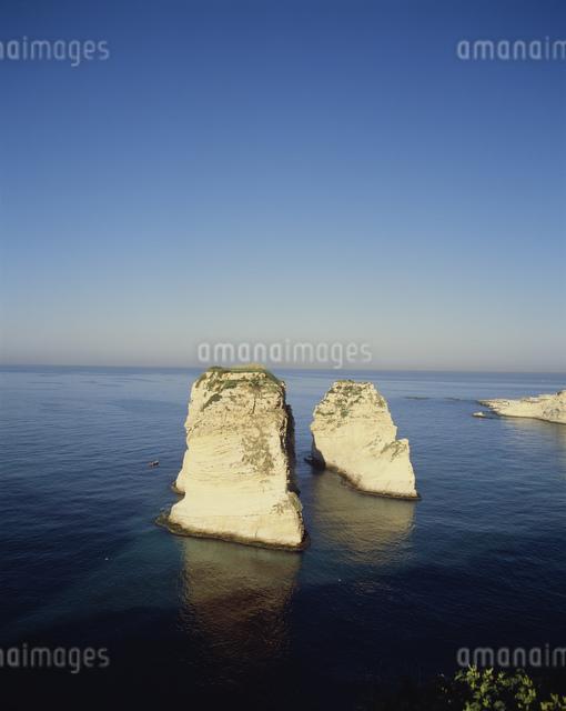ハトの岩の写真素材 [FYI04081936]