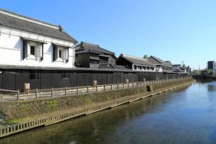 うずま川と蔵の街の風景の写真素材 [FYI04082075]