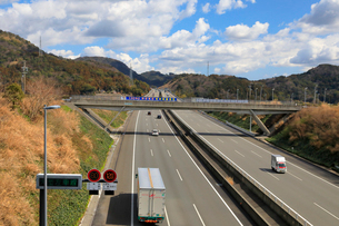 新東名高速 最高速度120km標識の写真素材 [FYI04082217]