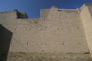 バビロン遺跡 壁面の彫刻の写真素材 [FYI04082721]
