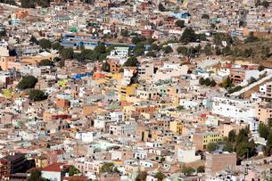 プーファの丘からサカテカスの町並み眺望の写真素材 [FYI04082764]