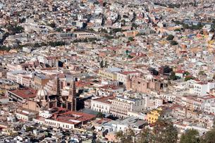 プーファの丘からカテドラルとサンドミンゴ教会眺望の写真素材 [FYI04082768]